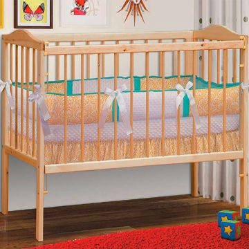 Кровать детская из массива с матрацем-фото
